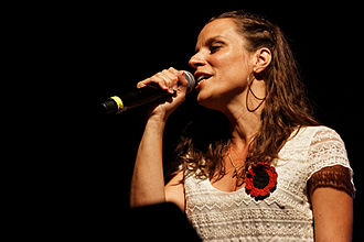 Photo_-_Festival_de_Cornouaille_2013_-_Dan_ar_Braz_en_concert_le_27_juillet_-_105
